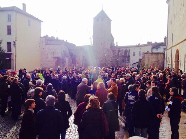 jesuischarlie-rassemblement-cluny-8jan2014-midi