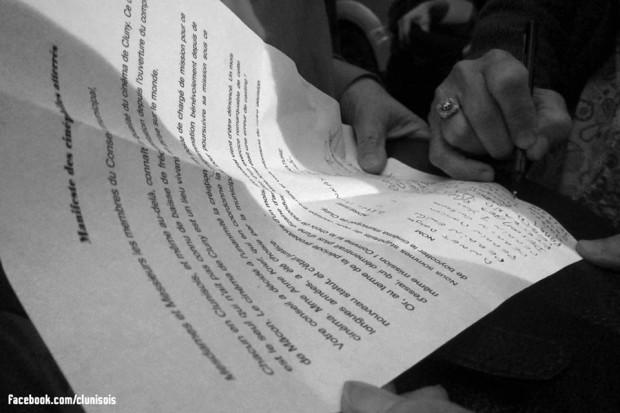 manifestation-soutien-akrief-cluny-8oct2014-03