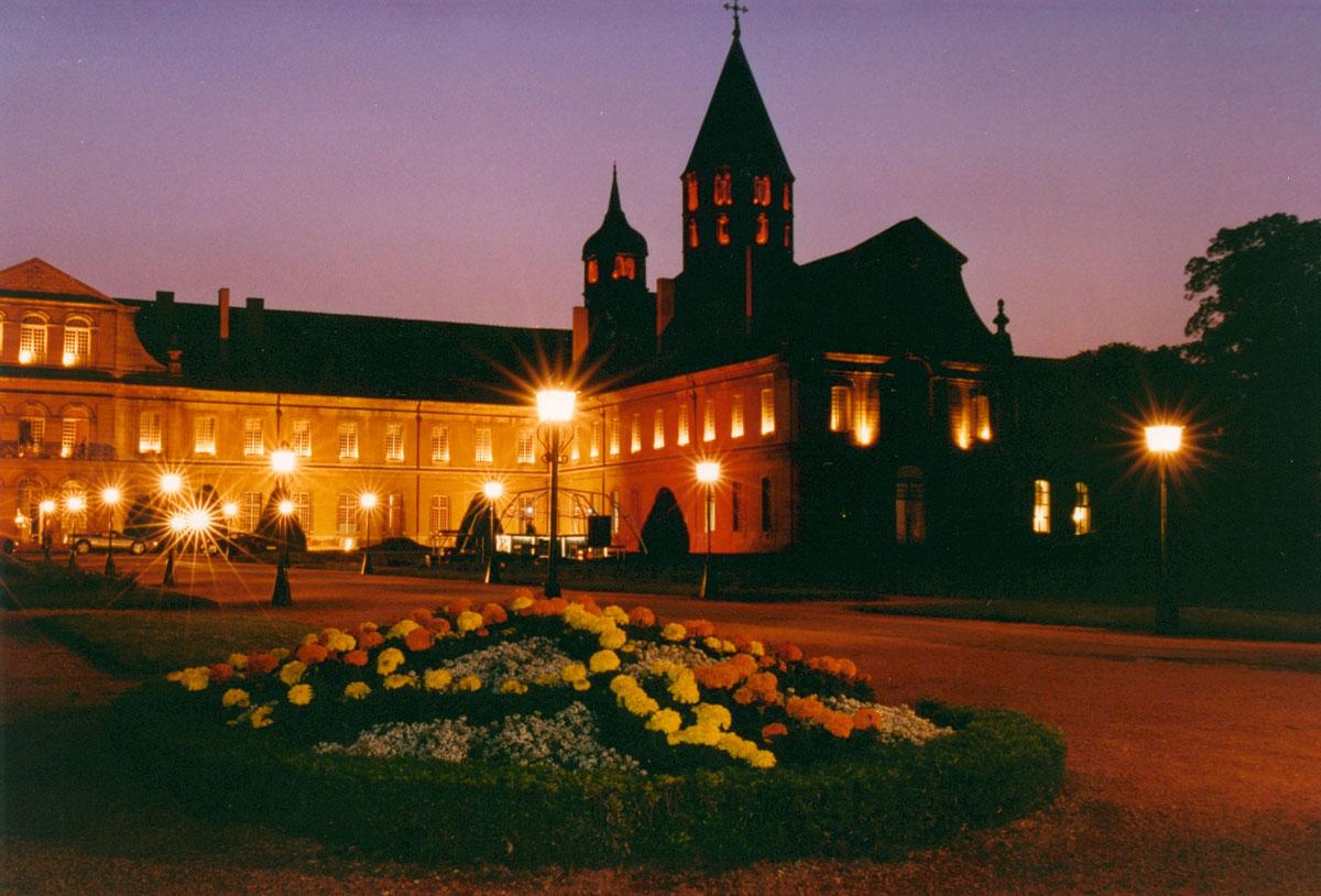 abbaye-cluny-photo-nuit-wikipedia